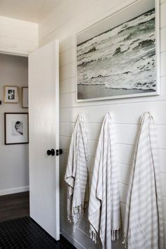 Dreamy And Inviting California Home Will Make You Want To Redecorate Bathroom towels. Hanging storage in bathroom. Shiplap in bathroom. Hanging storage in bathroom. Shiplap in bathroom. Hang Towels In Bathroom, Hanging Towels, Hanging Storage, Diy Hanging, Bathroom Canvas, Decorative Bathroom Towels, Storage Boxes, Storage Ideas, Bathroom Bin