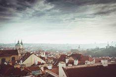 #cesko #ceskarepublika #cestovani #praha #turistika #poznavani #pohled #architektura #vylet #zajezd # Visit Prague, Visit Tokyo, City Sky, Prague Castle, Old Town Square, Beautiful Places To Visit, Park City, Czech Republic, Prague