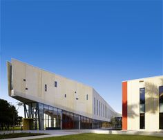 FIU Chapman Graduate School of Business,© H.G. Esch and Claudia Uribe
