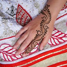 """168 Likes, 4 Comments - Theresa Verma (@mehndi_by_theresa) on Instagram: """"Simple but beautiful #artist #design #mehndi #henna #mehndiartist #bridalhenna #mehndidesign…"""""""