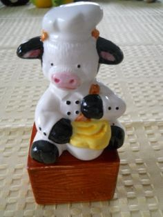 Cow on a Box Salt and Pepper Shakers  Vintage by DEWshophere, $6.99