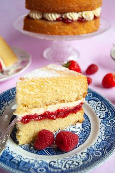 My foolproof Victoria Sponge Cake recipe is so easy anyone can make it - it's a British classic fit to grace any occasion! Victoria Sponge Recipe, Victoria Sponge Cake, Classic Victoria Sponge, Easy Sponge Cake Recipe, Sponge Cake Recipes, Classic Sponge Cake Recipe, Cake Recipes Uk, Baking Recipes, Dessert Recipes