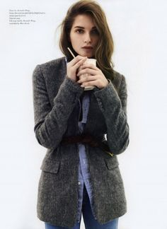 This sweater/blazer with a belt combo is hot and looks so warm and cozy!