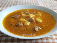 Bravčová polievka • Recept | svetvomne.sk Pork Goulash, Hungarian Recipes, Hungarian Food, Cheeseburger Chowder, Thai Red Curry, Stew, Ethnic Recipes, Hungarian Cuisine, One Pot