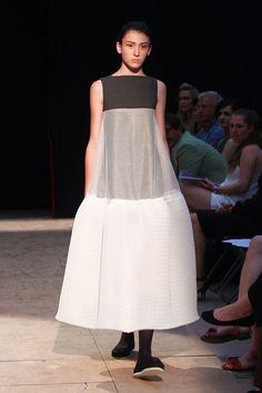 Moje značka - Ateliér designu oděvu a obuvi - Vysoká škola uměleckoprůmyslová v Praze Design, Fashion, Atelier, Moda, Fashion Styles, Fashion Illustrations