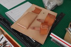 Ped's & Ro Leather Blog: Project: Gadget Bag