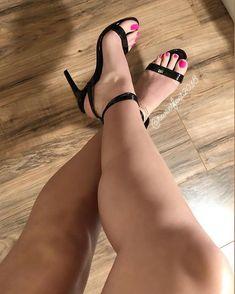 Pink toes and black heels 💕🖤😍 Thigh High Boots Heels, Hot High Heels, Ankle Strap Heels, Sexy Legs And Heels, Black Heels, Beautiful High Heels, Beautiful Legs, Stilettos, Stiletto Heels