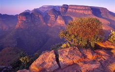 """Blyde River Canyon """"Motlatse"""" – South Africa Blyde River Canyon """"Motlatse"""" – South Africa The Blyde River Canyon (recently renamed . Last Minute Vacation Deals, Nature Reserve, Nature Wallpaper, Hd Wallpaper, Beautiful Landscapes, Great Places, Amazing Places, Beautiful World, Wonders Of The World"""