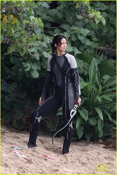 Jennifer Lawrence, Josh Hutcherson, and Sam Claflin film scenes from 'The Hunger Games: Catching Fire' in Hawaii