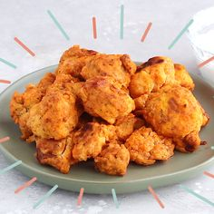 a head of cauliflower? Make these amazing healthy buffalo cauliflower wings with just a few simple ingredients for the big game. These healthy cauliflower buffalo wings are especially delicious dipped in a homemade healthy blue cheese dip. Veggie Recipes, Gourmet Recipes, Vegetarian Recipes, Cooking Recipes, Healthy Recipes, Clean Eating Snacks, Healthy Snacks, Simple Healthy Meals, Vegan Lunches