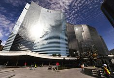 """The Vdara hotel in Las Vegas has a serious design flaw: It's highly reflective glass creates a """"death ray"""" on the pool area. Vdara Las Vegas, Las Vegas Hotels, Hotel S, Lens Flare, Facade, Burns, Skyscraper, Solar"""
