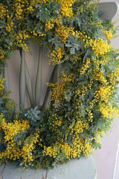 Hang het voorjaar in huis met deze voorjaarskrans....