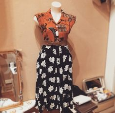 """@belezavintage vintage burnt ochre sleeveless blouse $29, Mink Pink """"sweet surprise"""" skirt  $89.95, libertine wide belt $69, and A Story Of plate piece necklace $40 #burntochre #ochre #print #floral #blackandwhite #mixandmatch #eclectic #mix #quirk #quirky #blouse #flowers #roses #sweet #pretty #surprise"""