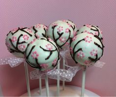 Cherry Blossom Cake Pops for future anniversary Wedding Cake Pops, Wedding Sweets, Wedding Favors, Wedding Cakes, Wedding Ideas, Cherry Blossom Party, Cherry Blossoms, Japanese Wedding, Here Comes The Bride