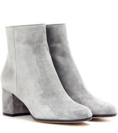 Gianvito Rossi - Margaux Mid suede ankle boots - Suede is always satisfying when it's in the hands of Gianvito Rossi. In an understated shade of grey, the Margaux Mid ankle boots have a clean silhouette that pairs well with all your fall favourites. - @ www.mytheresa.com