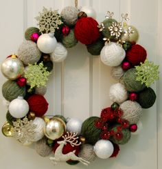 Yarn Ball Wreath...like this version too, with the ornaments.