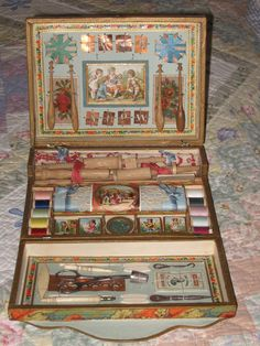 Tapisserie - Needlepoint set including stretchers (1) Vintage Sewing Notions, Antique Sewing Machines, Antique Toys, Vintage Toys, Sewing Case, Sewing Baskets, Sewing Crafts, Sewing Kits, Sewing Accessories