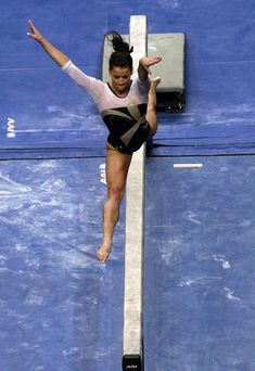 Alicia Sacramone Photos: 2011 Visa Championships - Day 2