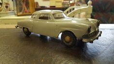 Peltiauto, Studebaker 50-60-luku !!!  Pituus 20,5cm.   Vetomekanismi puuttuu.  Arvioitu lähtöhinta: 50.00 € Auction Items