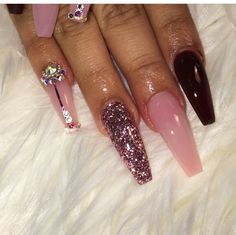 In look for some nail designs and ideas for the nails? Listed here is our list of 21 must-try coffin acrylic nails for fashionable women. Dope Nails, Nails On Fleek, Fun Nails, Fabulous Nails, Gorgeous Nails, Pretty Nails, Acrylic Nail Designs, Acrylic Nails, Acrylics