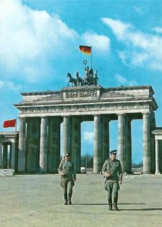 """Today's Picture Depicts East German Soldiers Of The """"Grenztruppen Der DDR"""" Patrolling The Brandenburg Gate During a. Socialist State, Socialism, Communism, West Berlin, Berlin Wall, East Germany, Berlin Germany, Border Guard, Warsaw Pact"""