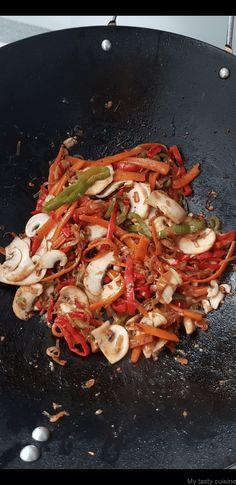 Nouilles chinoises au boeuf et aux légumes - My tasty cuisine Korean Food, Bento, Paella, Ethnic Recipes, Kitchen, Recipes, Salads, Chicken, Cooking