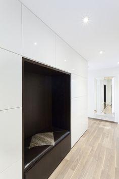 Luxusní chodba na míru.#interiordesign#corridor#luxury#chodbanamiru Corridor, Interior Design, Home Decor, Luxury, Nest Design, Decoration Home, Home Interior Design, Room Decor, Interior Designing