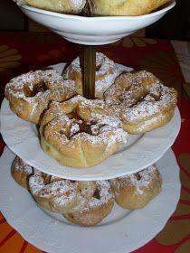 με ζύμη κουρού .... πεντανόστιμα!!!! Asterati Kouzina Άμα έχεις λιγούρες σου έρχεται αυτόματα η έμπνευση ... :D Χρησιμοποίησα την ζύμη... Fruit Pie, Greek Recipes, Sweet Desserts, No Bake Cake, Cookie Recipes, Tart, Deserts, Food And Drink, Sweets