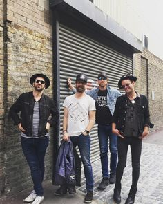 Did you miss this from the Trews earlier today? Well, even if you didn't, we're posting it here because we LOVE this photo.