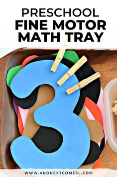 Simple Fine Motor Math Activity Looking for preschool math activities? Well this fine motor math tray is great for toddlers, preschoolers, and even kindergarten kids! They'll love clipping and counting with this simple idea. Math Activities For Toddlers, Motor Skills Activities, Toddler Preschool, Preschool Activities, Montessori Preschool, Montessori Elementary, Counting For Toddlers, Preschool Fine Motor Skills, Toddler Games