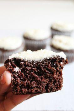 cio - Eggless orange chocolate cupcakes recipe | Vegan cupcakes