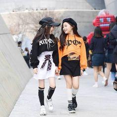 Stylish Little Girls, Trendy Kids, Cute Kids, Teen Fashion Outfits, Kids Outfits, Kids Fashion, Aesthetic Grunge Outfit, Ulzzang Kids, Korean Babies