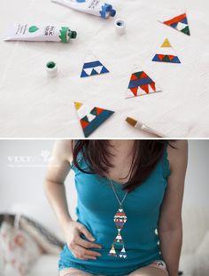 Vixyblu - handmade creative boutique: DIY: Pandantiv din cartonul unei cutii de suc