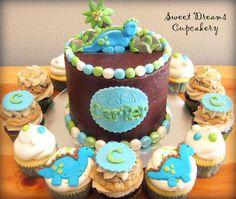 baby dino cupcakes  | Sweet Dreams Cupcakery*: Dinosaur Baby Shower Cake & Cupcakes