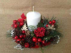 Christmas Advent Wreath, Christmas Candle Decorations, Wall Christmas Tree, Christmas Flower Arrangements, Christmas Swags, Christmas Tree Themes, Christmas Candles, Felt Christmas Ornaments, Candle Art