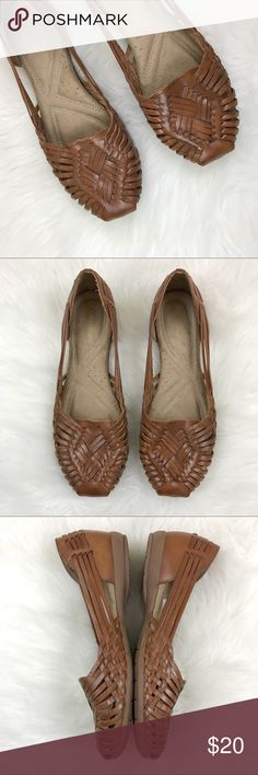 Naturalizer Brown Woven Leather Flats Brown woven leather flats with rounded toe and cushioned sole. The Naturalizer Gobi Flat is a size 9. EUC. Naturalizer Shoes Flats & Loafers