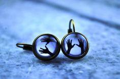 Hands behind the glass earrings vintage earrings by Bernsteinufer