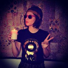 One Religion PEACE Religion, Kurt Cobain, Peace, Sunglasses, Style, Fashion, Accessories, Swag, Moda