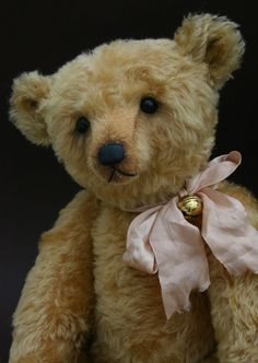 Taiwan Teddy Bear Association: Online Teddy Bear Gallery Artist Gallrty - Humble-Crumble Collectors Bears (Victoria Allum)