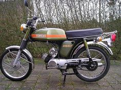 yamaha FS1 - Recherche Google 50cc Moped, Mopeds, Classic Bikes, Motorbikes, Yamaha, Engine, Trucks, Messages, Cars