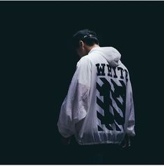 Off White Hoodie Stussy, Bape, Off White Clothing, Off White Mens, Teen Guy Fashion, Look Man, Off White Hoodie, Friend Outfits, White Brand