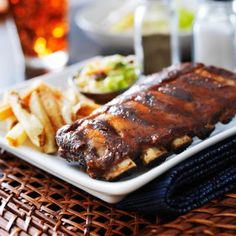 Pork Ribs with Roasted Strawberry BBQ Sauce Best Food Delivery Service, Best Meal Delivery, Barbecue Sauce Recipes, Pork Recipes, Whisky, Roasted Strawberries, Barbecue Ribs, Pork Ribs, Kabobs