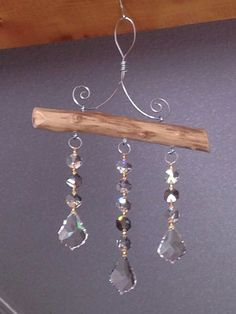 Crystal Suncatcher with smoky topaz accent crystals 3 Strand image 2 Driftwood Crafts, Wire Crafts, Bead Crafts, Diy And Crafts, Simple Crafts, Fall Crafts, Carillons Diy, Sun Catchers, Diy Wind Chimes