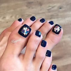 Pin on 《《Nails art》》 Cute Pedicure Designs, Toe Nail Designs, Pretty Toe Nails, Cute Toe Nails, Acrylic Toe Nails, Toe Nail Art, Cute Pedicures, Nail Jewels, Pedicure Nail Art