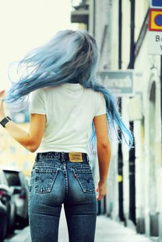 Her hair is so amazing to me and those hot jeans haha <3