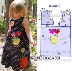 Risultati immagini per vestidos com aplique infantil Sewing Kids Clothes, Baby Sewing, Doll Clothes, Toddler Dress, Toddler Outfits, Kids Outfits, Kids Dress Patterns, Sewing Patterns For Kids, Clothes Patterns