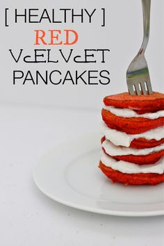 The BEST and FLUFFIEST protein pancake recipe WITHOUT protein powder- gluten free, sugar free with no nasties and with a hidden vegetable inside! Red Velvet Pancakes!   #glutefree #highprotein #pancakes