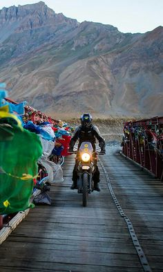 Follow me Ayush Kardam Travel Vlog, Travel Pics, Travel Pictures, Places To Travel, Ladakh India, Leh Ladakh, Tourist Spots, Royal Enfield, India Travel