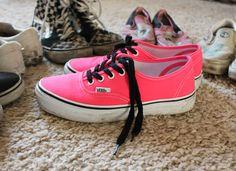 Resultados da Pesquisa de imagens do Google para http://blogdamarge.files.wordpress.com/2011/11/vans-shoes-authentic-neon-fluorescent-pink-010604.jpeg