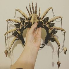 WHERE CAN I BUY ONE OF THESE BONE CROWNS??? I need it! <3